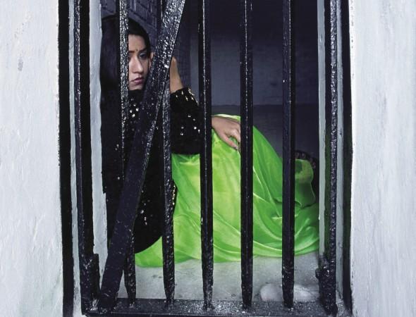 Οικιακή δουλεία Φυλακισμένες γυναίκες σε σπίτια Βρετανών, socialpolicy.gr