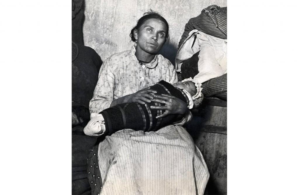 Madonna of the Slums, ca. 1890. (Jacob A. Riis, © Bettmann/CORBIS)