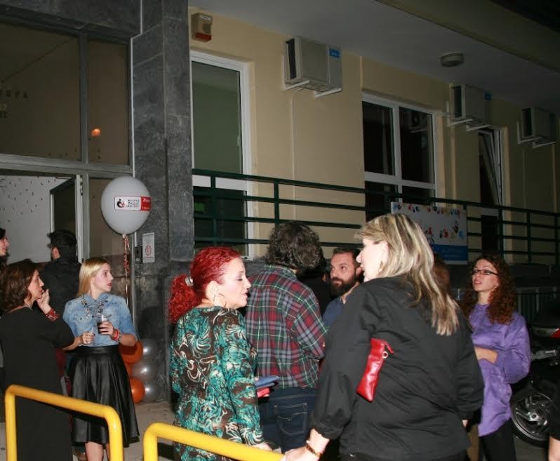 """Οι εγκαταστάσεις του Κέντρου Παιδιού και Εφήβου στο Περιστέρι γέμισαν από κόσμο για την γιορτή των 20 χρόνων λειτουργίας και τα εγκαίνια του εξειδικευμένου κέντρου για άτομα με αυτισμό """"Ηλίανθος"""" και του Τμήματος Επιστημονικής Τεκμηρίωσης και Εκπαίδευσης"""