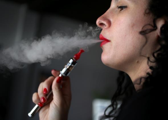 Ηλεκτρονικό Τσιγάρο Ο υπερβολικός ηθικός πανικός της Αμερικής, socialpolicy.gr