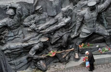 UKRAINE-HISTORY-V-DAY
