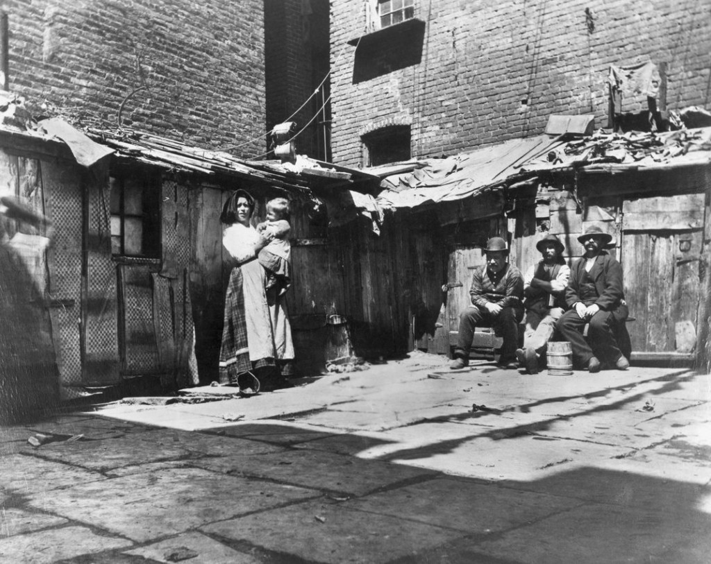 New York: Slum District, ca. 1890. (Jacob A. Riis, © Bettmann/CORBIS)