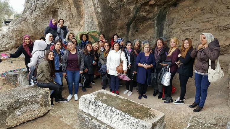 επισκεψη-γυναικων-προσφυγων-στην-Ελευσινα-pic