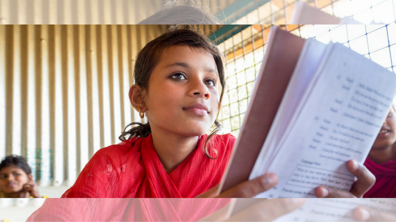 H Nur Kalima είναι μια εντεκάχρονη πρόσφυγας Rohingya και πηγαίνει σε ένα σχολείο στον καταυλισμό Kutupalong, που χρηματοδοτεί η Ύπατη Αρμοστεία. Είναι δύσκολο για τα κορίτσια Rohingya να ολοκληρώσουν τη φοίτησή τους λόγω των κοινωνικών πιέσεων, των πρόωρων γάμων και της έλλειψης πρόσβασης σε άλλες βαθμίδες εκπαίδευσης. © UNHCR/Roger Arnold