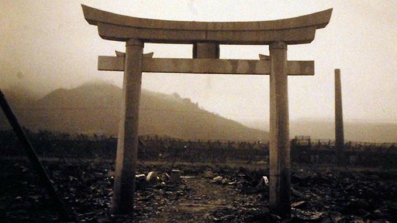 Στιγμιότυπο μετά τη ρήψη της ατομικής βόμβας στο Ναγκασάκι το 1945.