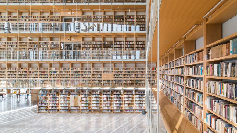 Πύργος Βιβλίων της Εθνικής Βιβλιοθήκης της Ελλάδος. ©Δημήτρης Παρθύμος